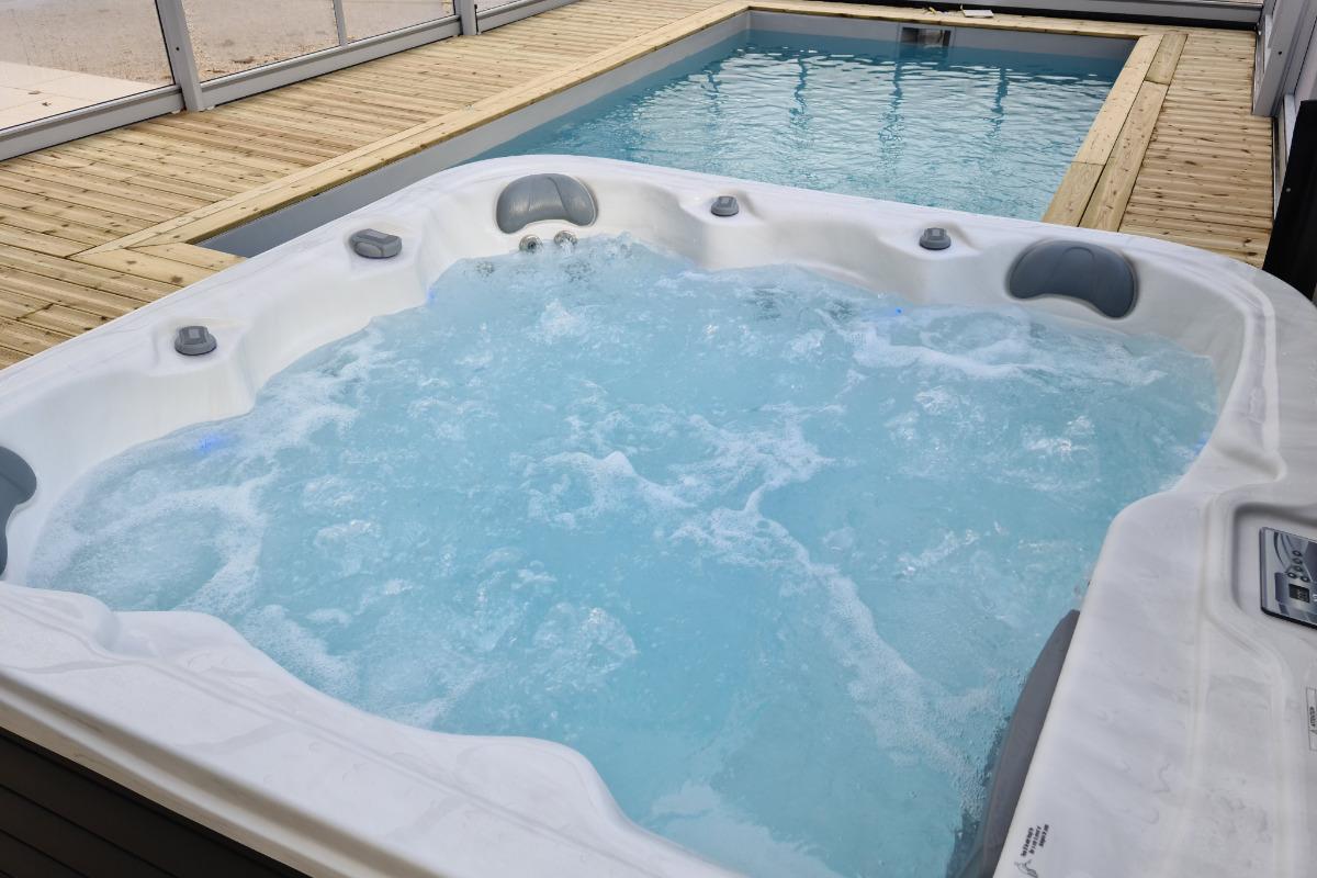 Spa et piscine - Location de vacances - Bournezeau