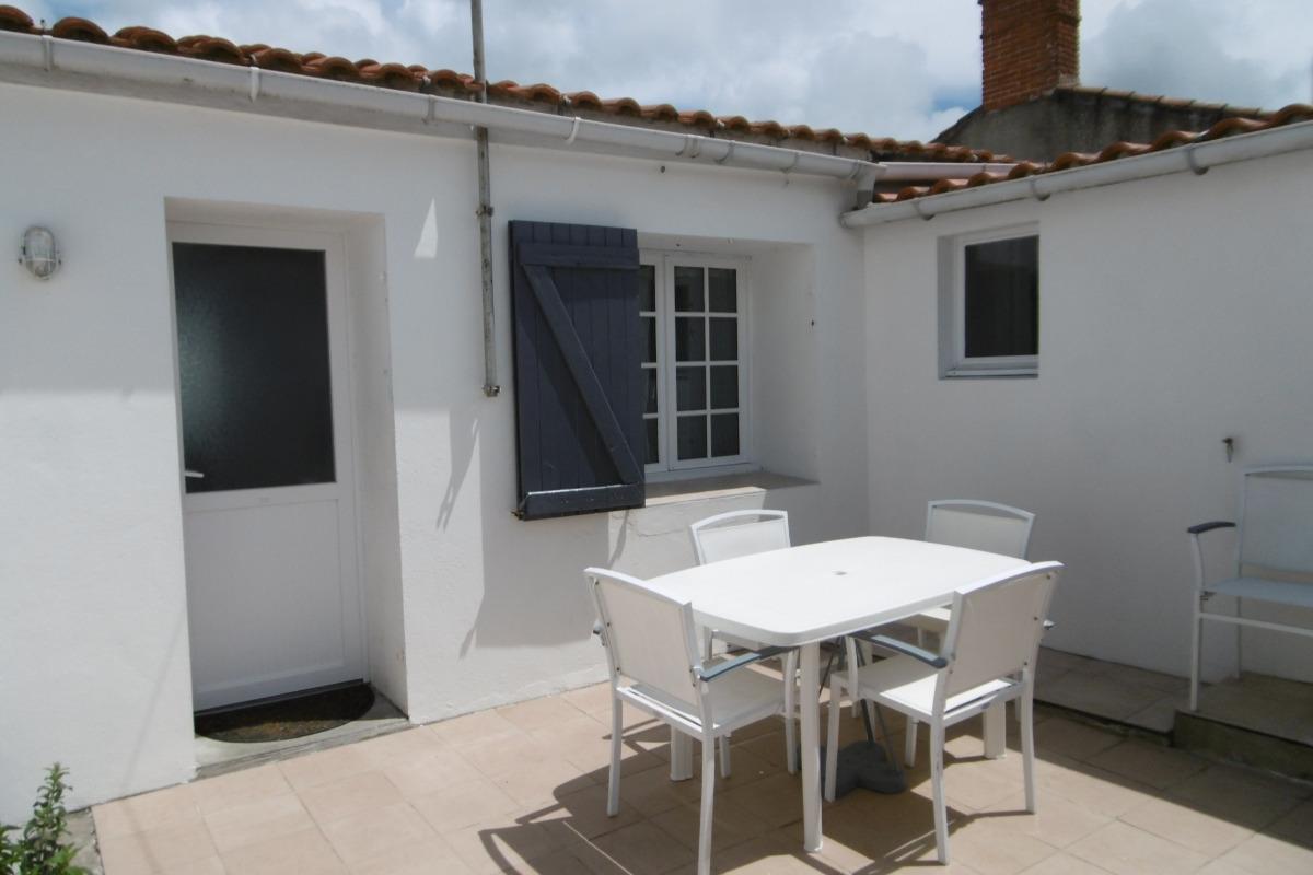 Façade arrière et cour - Location de vacances - Noirmoutier en l'Île