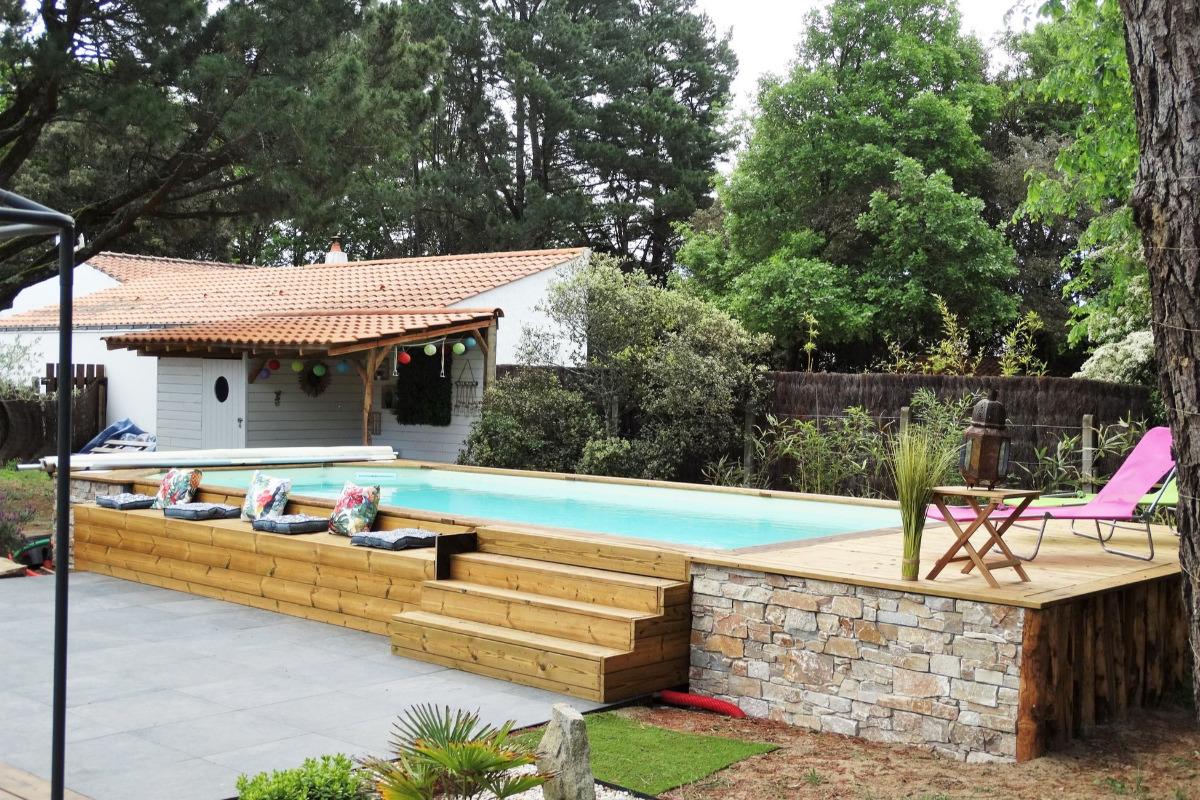 Piscine extérieure à l'arrière de la maison - Location de vacances - Saint Hilaire de Riez