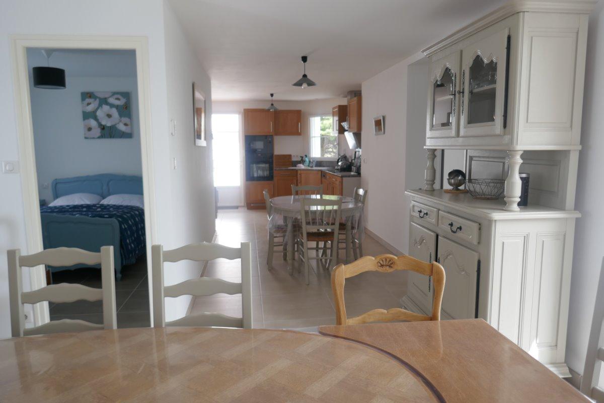Vue d'ensemble salle à manger / cuisine - Location de vacances - Le Perrier