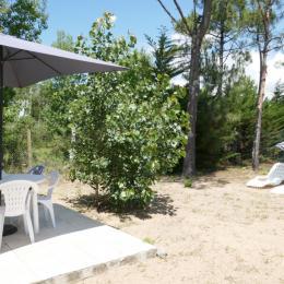 Jardin ensablé et terrasse - Location de vacances - La Faute-sur-Mer
