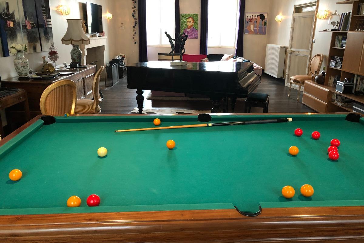 Grand salon 60m² - Location de vacances - Lusignan