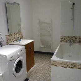Pièce de vie vue sur porte accès jardin - Location de vacances - Maisonnais-sur-Tardoire