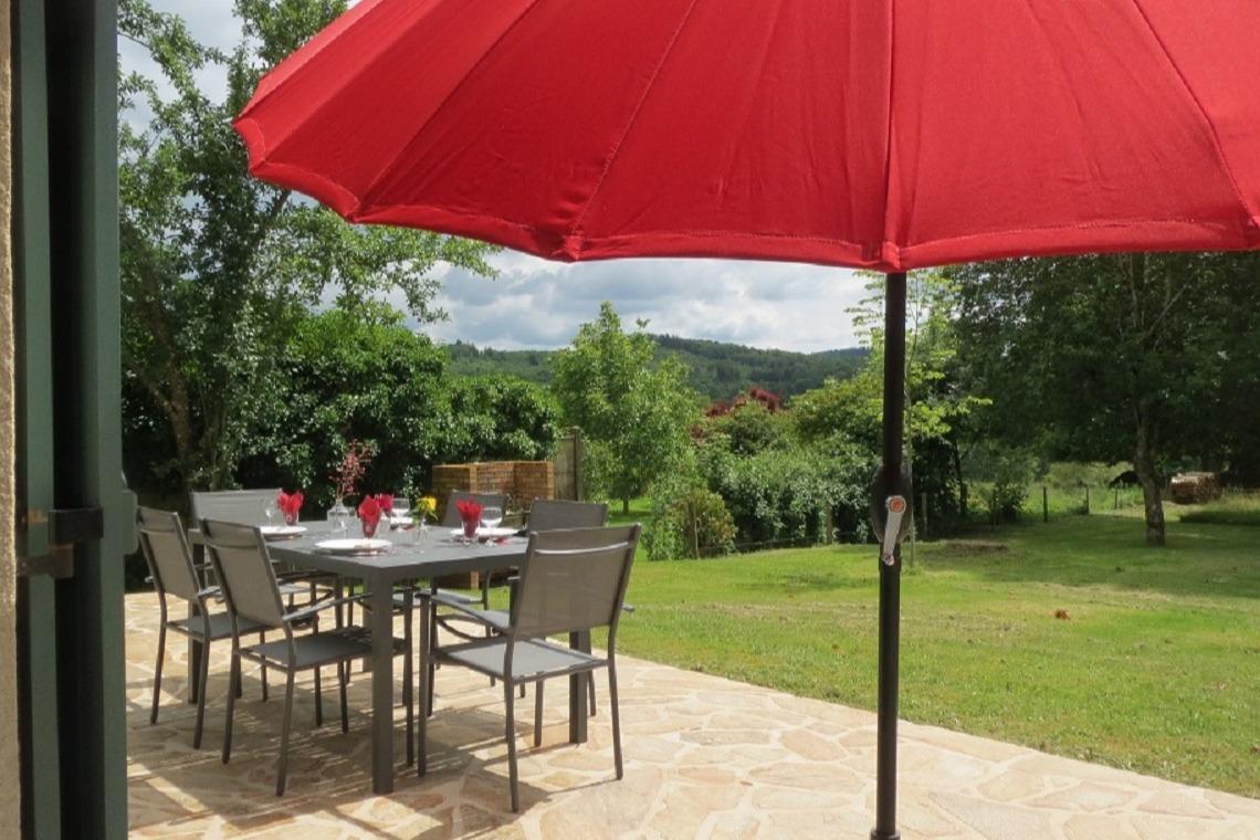 vue de la terrasse - Location de vacances - Rilhac-Lastours