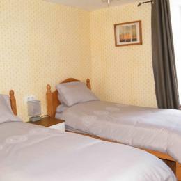 2 lits simples - Chambre d'hôtes - Rochechouart