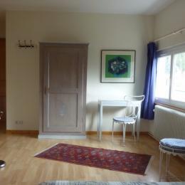 Penderie et espace bureau, chambre Ambiances  - Chalet de Blandine Gérardmer - Chambre d'hôtes - Gérardmer