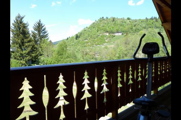 Balcon vue sur montagne  l'orbi  - Chalet Heïdi Ventron Vosges - Location de vacances - Ventron