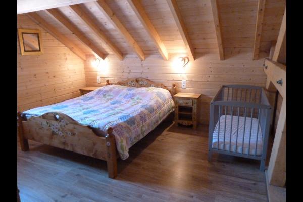 Chambre 1 étage 160/200 + bb - Chalet Heïdi Ventron Vosges - Location de vacances - Ventron