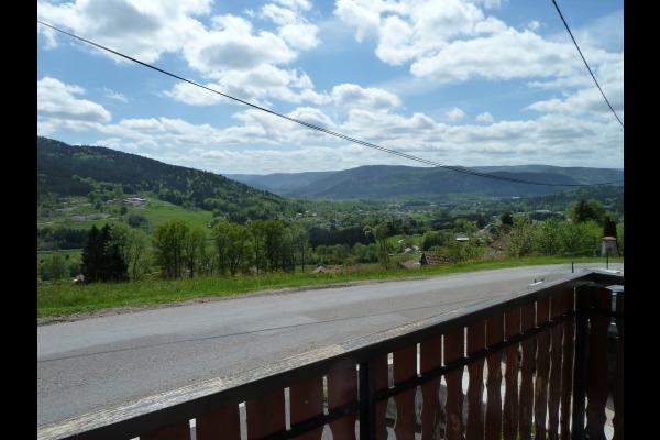Vue sur le massif depuis la terrasse - Location de vacances - Cleurie