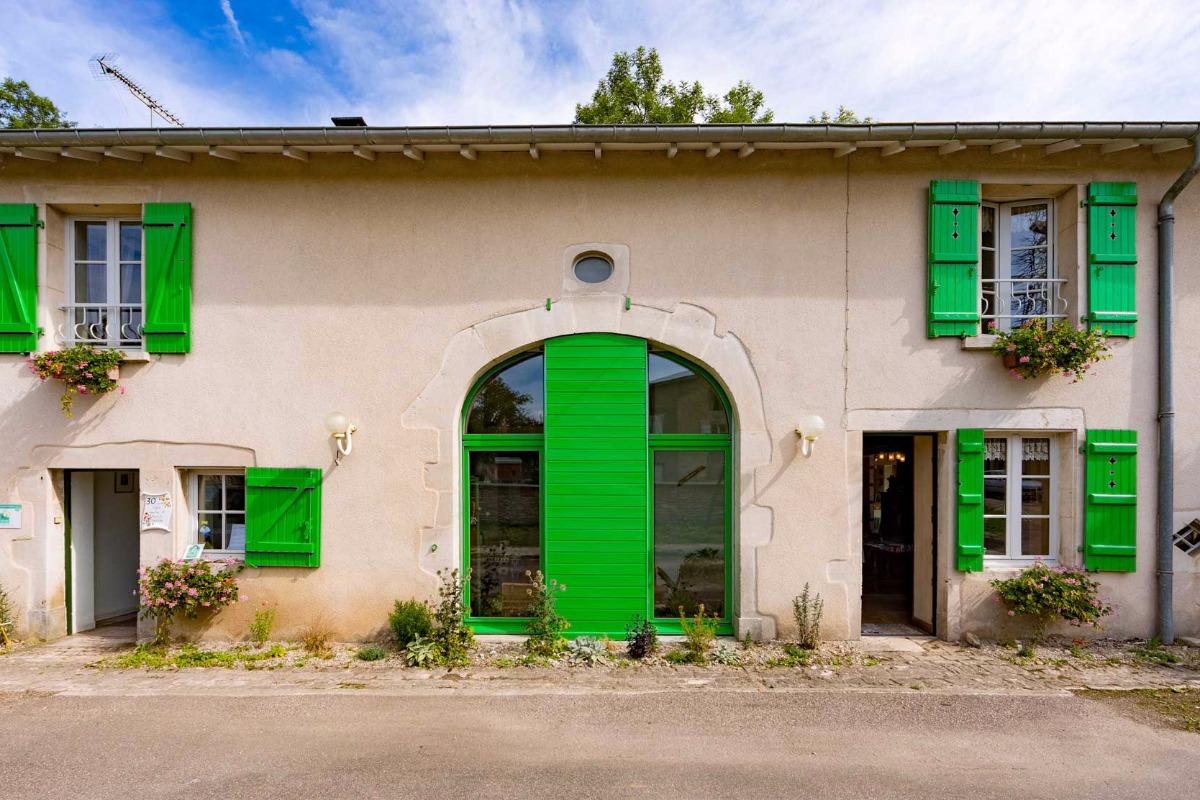 Chambre accessible PMR avec salle de bains et wc attenant et séparés - Chambre d'hôtes - Soulosse-sous-Saint-Élophe