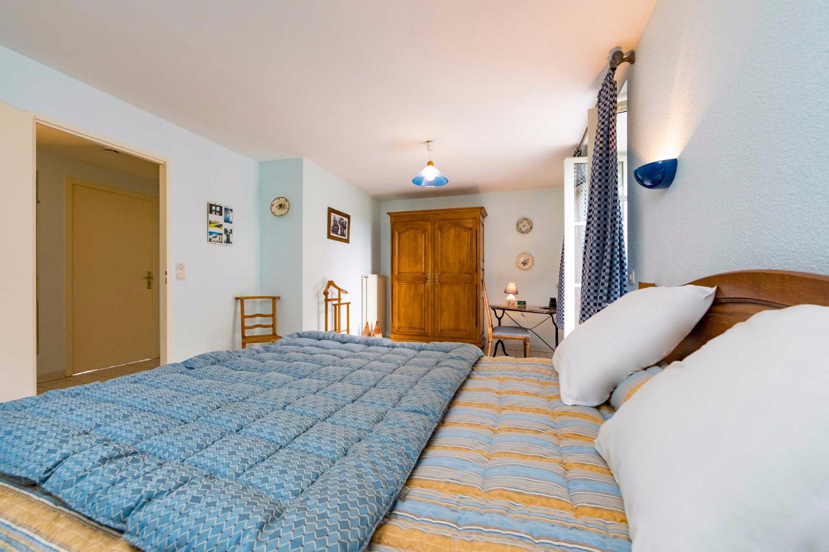 Chambre avec lit king size - Chambre d'hôtes - Soulosse-sous-Saint-Élophe