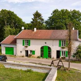 Jardin accessible en fauteuil - Chambre d'hôtes - Soulosse-sous-Saint-Élophe