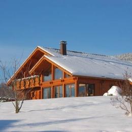 Chalet sous la neige bien exposé - Chambre d'hôtes - Gérardmer