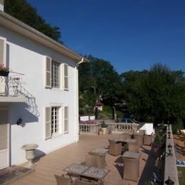 Terrasse bien exposée - Villa Mon Coeur - Chambre d'hôtes - Remiremont