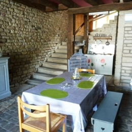 Espace repas Gite nature Manufacture Royale de Bains - Location de vacances - Bains-les-Bains