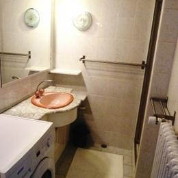 Salle d'eau - Location Hans Le Thillot - Location de vacances - Le Thillot