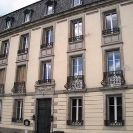 la façade de la Villa Beauséjour - Location de vacances - Contrexéville
