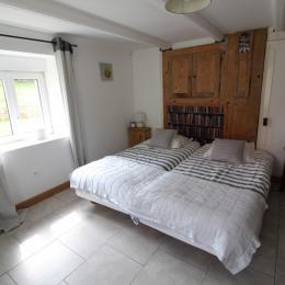 Chambre lits jumeaux - Location de vacances - Champdray