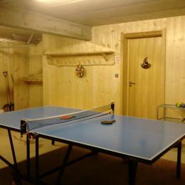 Grande terrasse en bois avec salon de jardin. Ouverture sur séjour. - Location de vacances - Xonrupt-Longemer