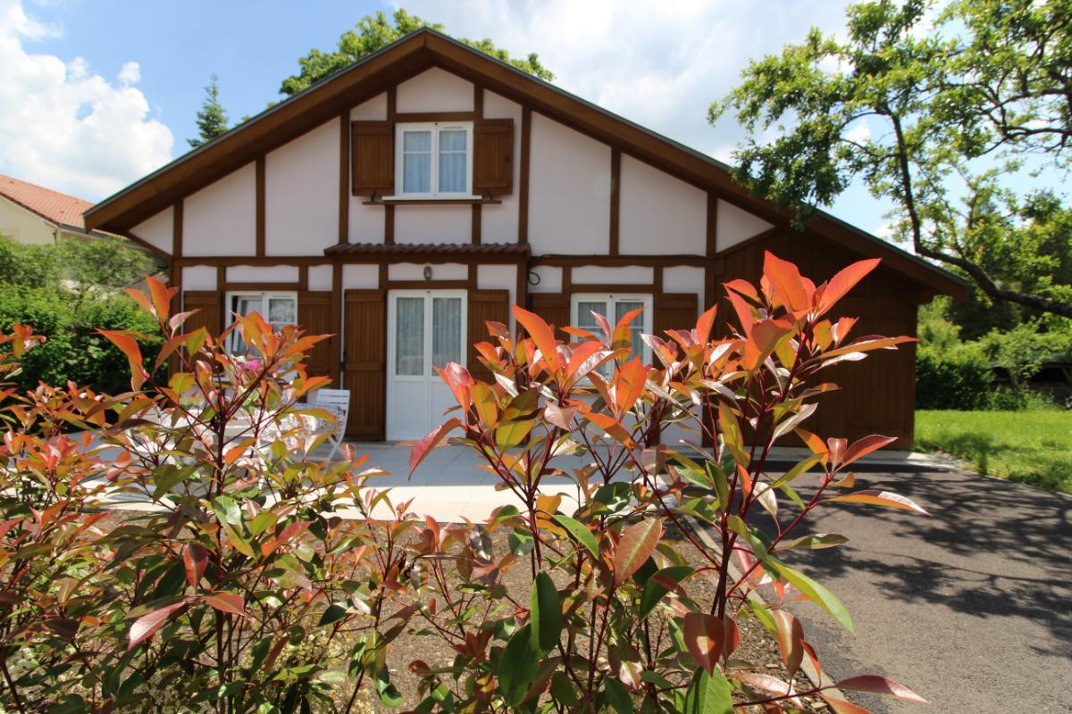 Façade côté rue - Chalet Magdelon Vittel 88800 avant travaux - Location de vacances - Vittel