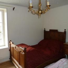 Chambre 1 - lit 90 - Location de vacances - Granges-sur-Vologne