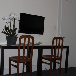 Télévision bureau Résidence Les Acacias Plombieres les Bains Vosges - Location de vacances - Plombières-les-Bains