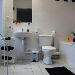 Salle de bains Résidence Les Acacias Plombieres les Bains Vosges - Location de vacances - Plombières-les-Bains