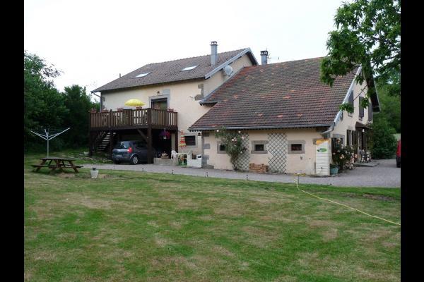 vue arrière maison et jardin - Location de vacances - Plombières-les-Bains