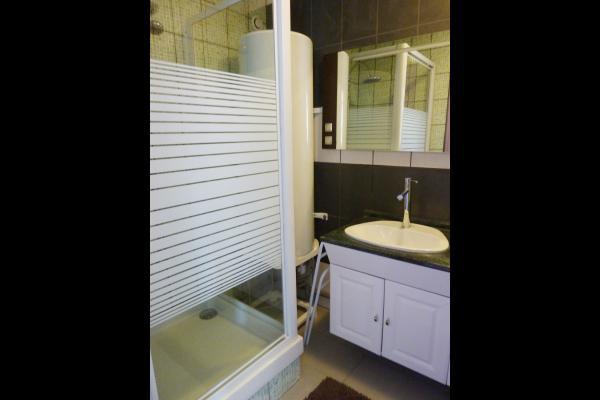 Salle d'eau - Location de vacances - Contrexéville