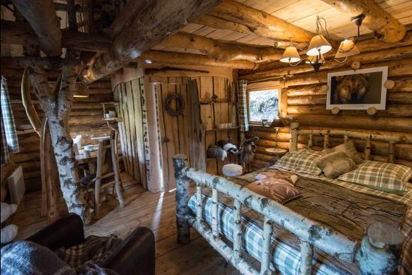 clairi re aux cabanes la fuste du trappeur la bresse en lisi re de for t 7mn de la station. Black Bedroom Furniture Sets. Home Design Ideas