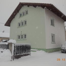 la maison coté rue et votre parking intérieur - Location de vacances - Gérardmer