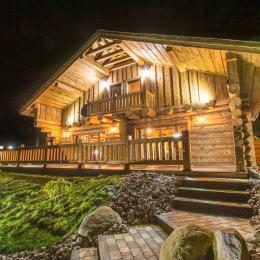 Façade de nuit - Location de vacances - Liézey