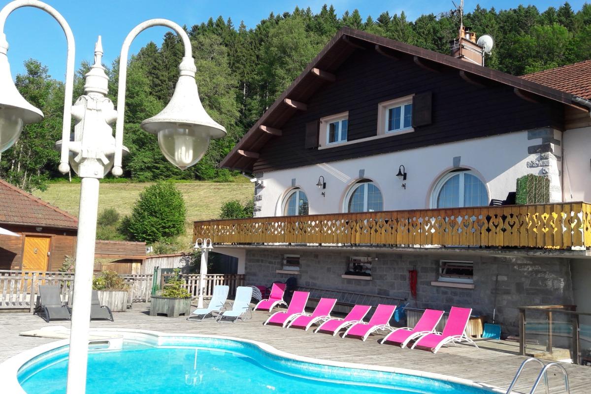 Maison cristal de roche lac de g rardmer avec vue for Piscine gerardmer