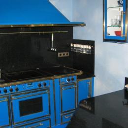 Cuisine Godin complète avec fours, grill, friteuse, réchauffe plats,  etc - Location de vacances - Gérardmer
