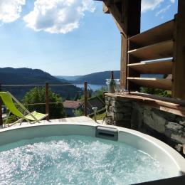 Le spa et vue lac été - Location de vacances - Gérardmer