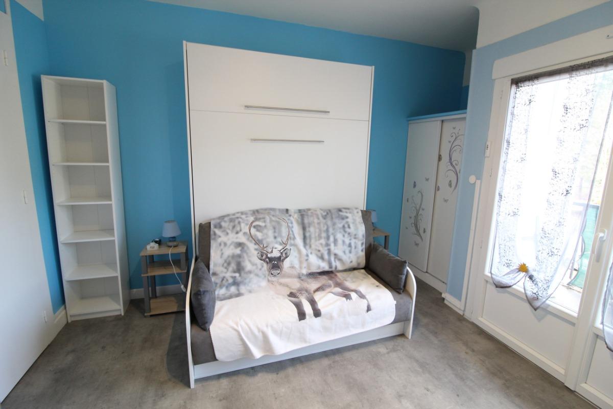Lit escamotable avec vrai canapé - Location de vacances - Bains-les-Bains