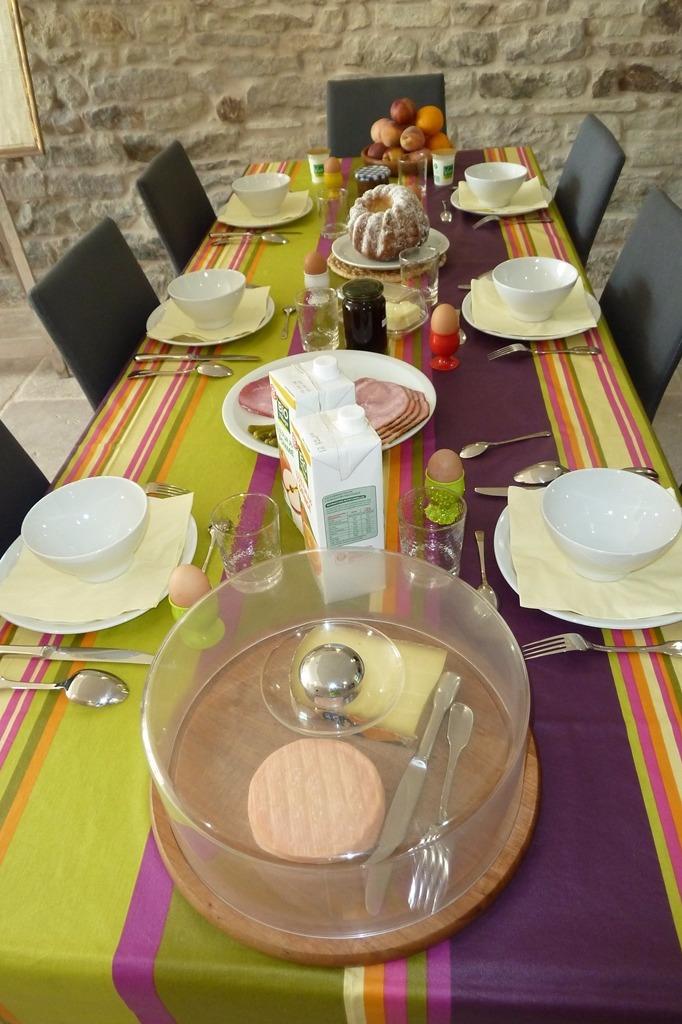 Le petit-déjeuner - Chambre d'hôtes - Plombières-les-Bains