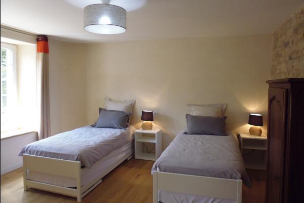 Le petit Feigne - la chambres (lits 90x200) - Chambre d'hôtes - Plombières-les-Bains
