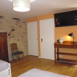 Le Petit Feigne - la chambre vue depuis le lit - Chambre d'hôtes - Plombières-les-Bains