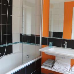 Le Petit Feigne - la salle de bain - Chambre d'hôtes - Plombières-les-Bains