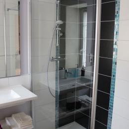 Le Feigne Hardi - douche à l'italienne - Chambre d'hôtes - Plombières-les-Bains