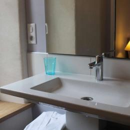 Le Feigne Hardi - la salle d'eau - Chambre d'hôtes - Plombières-les-Bains