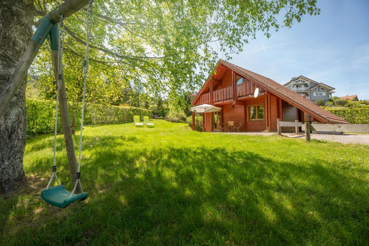 Vue du chalet !  Terrasse, jardin pelouse - Location de vacances - Xonrupt-Longemer