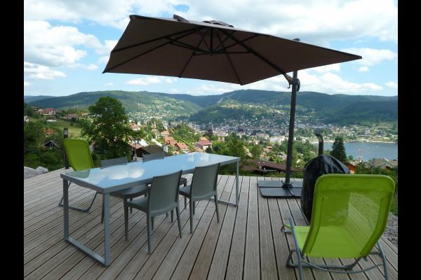 Gîtes de l'Alise - terrasse donnant sur la vallée et lac - Sud - Location de vacances - Gérardmer