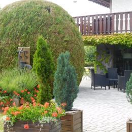Espace repas avec belle vue sur le lac  - Location de vacances - Gérardmer