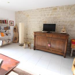 Maison de village proche Vittel et Contrexéville - Salon/Séjour avec TV - Location de vacances - Dombrot-le-Sec