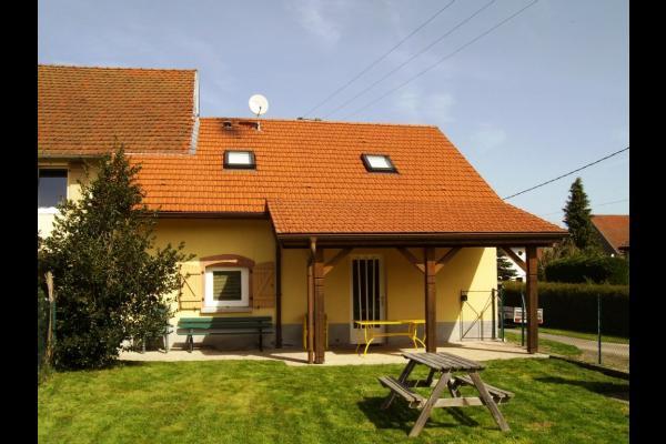 Terrasse couverte en été - Maison Jardin de Taintrux - Location de vacances - Taintrux