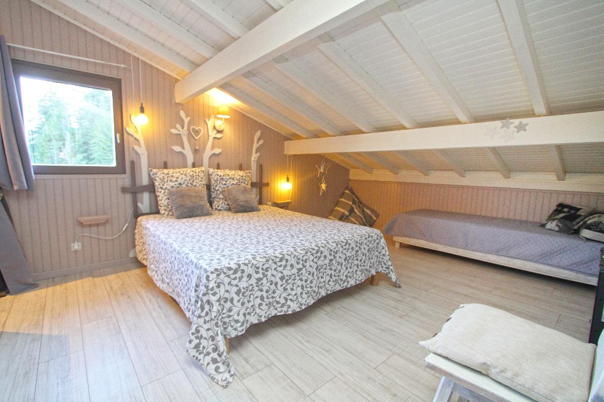 Chambre Rêveries sous les toits - Chambre d'hôtes - Ban-sur-Meurthe