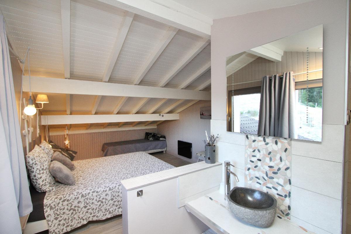 La chambre Rêveries sous les toits - Chambre d'hôtes - Ban-sur-Meurthe