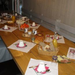 La table de petit-déjeuners - Chambre d'hôtes - Ban-sur-Meurthe